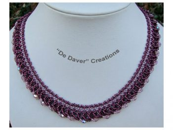 Collier netted loops grape