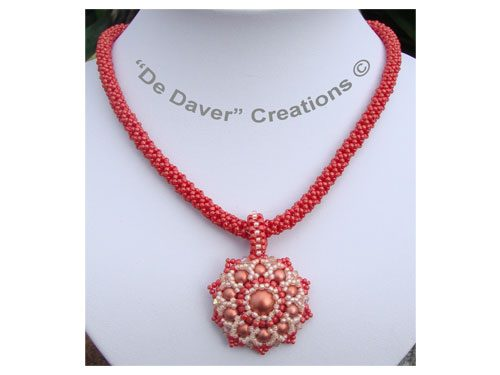 Collier Fourty sueded pepper